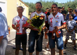 Podium 100% V3C... Eric, on voit pas le maillot !