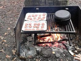 Brunsli und Tee vom Feuer
