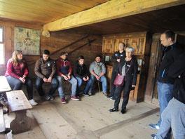 In Flüeli besuchten wir unter anderem das Elternhaus von Bruder Klaus und erfuhren von Schwester Yolanda Sigrist Wissenswertes rund um das Leben und Wirken des Einsiedlers.