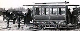 Tramway tiré par un cheval à Tours 1877-1900