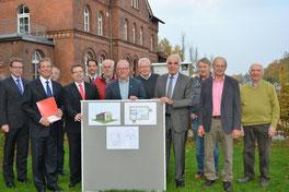 """Die Spende von der Sparkassenstiftung für das """"Backhaus Darfeld"""" wurde im Rahmen des LEADER-Projektes für die Region Baumberge überreicht. Fotos: Anna Eckart (wfc)"""