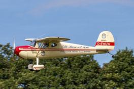 Die Cessna C140 D-EWUW ist einer von drei Cessna-Klassikern, die in der Luft gezeigt werden. (Foto: Wolfgang Birmes)