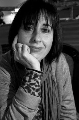 A autora do livro A mulher transparente,  Ana Cristina Silva.