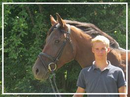 Maximilian Wricke. Auszubildender beim Pferdehof Leue