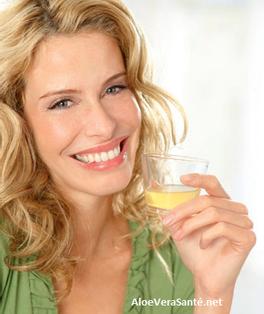 aloe vera ses propriétés, ses bénéfices AloeVeraSante | en usage interne : anti-inflammatoire, antiseptique, hémostatique, antalgique, apaisant, immunisant, antibiotique, antiallergique
