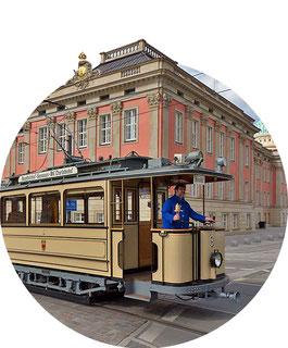 historischer Lindnerwagen stadtschloss potsdam