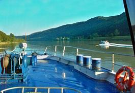 08. August 2015 - Das Deck ist blau, der Himmel ist blau, die Donau ist (fast) blau
