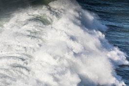 "small-""Big Wave"" Nazaré Portugal"