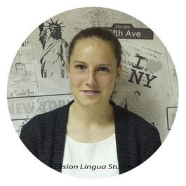 Manon репетитор носитель французского языка. Москва. Elision Lingua Studio. Курсы французского языка для детей с носителем.