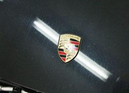 996ターボのボンネットの雨染み