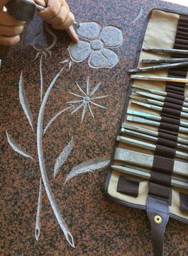 Demandez votre devis gravure sur pierre, Signalétique et enseigne en pierre, Plaque gravée de villa