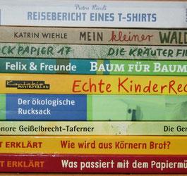 Bücherstapel Nachhaltigkeit für Kinder