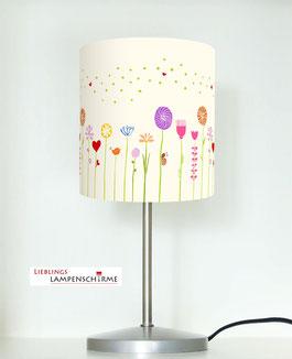 Tischlampe für Mädchen und Kinderzimmer mit Blumen in hellem Beige aus Baumwolle