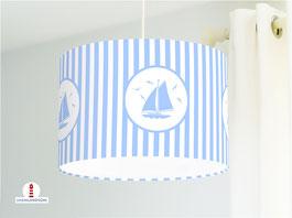 Lampe fürs Kinderzimmer und Babys mit Segelbooten und Streifen in Hellblau aus Baumwolle