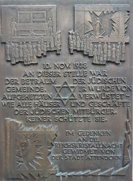 Die Gedenktafel in der Attendorner Innenstadt