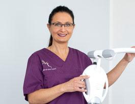 Claudia Lange Prophylaxe Ronnenberg ...die mit dem Apfel! Zahnmedizinische Prophylaxeassistentin Praxis Niemann, Wende & Partner