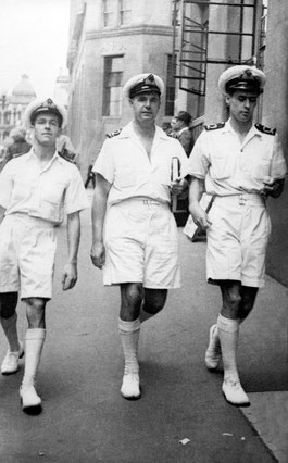 1944: Honkong, Francis in the Navy, right