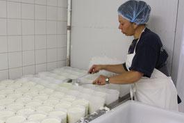 La fromagerie parmi les entreprises de Lassay-sur-Croisne, trait d'union entre la vallée du Cher et la Sologne