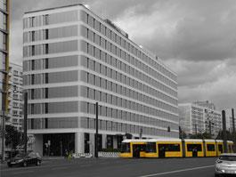 Vollwärmeschutzarbeiten (WDVS) von der Omega-Spezialbau GmbH in der Otto-Braun-Str. / Mollstr.