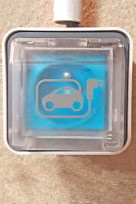 Prise renfocée WITTY de HAGER pour recharge voiture électrique dans garage
