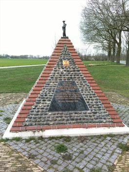 1st Bn Royal Norfolk Regiment Monument, Venray