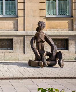 Gordian X, 2010, Bronze, 228x170x160cm