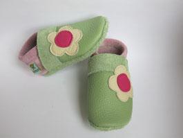 Krabbelschuhe mit Blümen, Schuhe mit Namen, Krabbelschuhe personalisiert, Taufschuhe, nach Maß,  schmalle Füße,