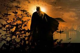 Batman, l'homme chauve-souris qui vit la nuit (noire).