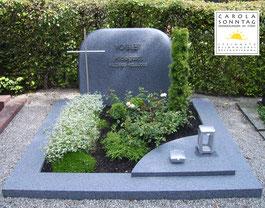 Familiengrab in keltisch Blau