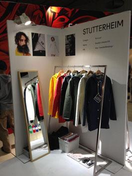 フィッシャーマンズ・コートをアレンジしたレインコートを展開する「STUTTERHEIM」。シンプルな機能美が光るスウェーデンらしいデザインだ