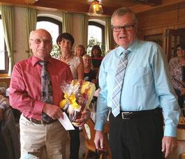 Wilfried Engelhardt feierte seinen 80. Geburtstag  - Gratulant: Vorsitzender Klaus Dill