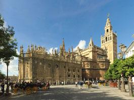 Cathédrale de Séville, et son clocher, la Giralda ancien minaret