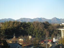北には榛名の山々です