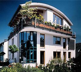 Mehrfamilienhaus mit Penthouse