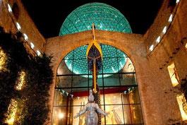 Экскурсия в музей Дали в Фигерасе, гид в Барселоне