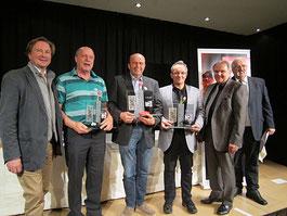 Organisator Faltl, Direktor Kneifl und Moderator Haas gratulieren den Tarocksiegern 2016