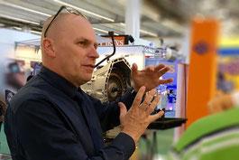 Tim Eckart auf der Automechanika 2016 Automatikgetriebe