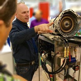 Tim Eckart auf der Automechanika Automatikgetriebe
