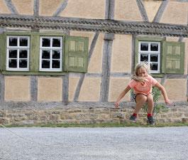 Kinderspiele (Foto: Gerhard Nixdorf)