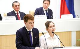 Памятники доблести и славы, учащиеся 10-го класса школы № 6 г. Реутова Московской области