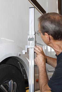 Das Wohnmobil kann mit der Zusatzluftfeder um acht Zentimeter heben