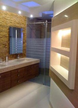Modulares de baño en una  amplia gama de materiales y colores