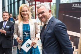 Annett Fleischer und Leiter NL BMW Berlin W. Büchel
