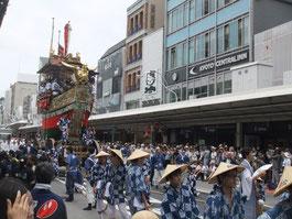 祇園祭前祭で巡行する「船鉾」
