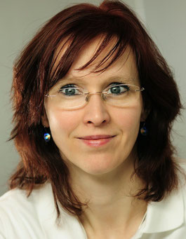 Dentalhygienikerin Antje Hengst, Leiterin der parodontologischen Abteilung