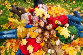 Bild: Wegen des trockenen Spätsommers verfärben sich die Blätter der Bäume in diesem Jahr früher. Quelle: WetterOnline