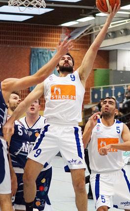 Nil Angelats (Nr. 9) spielte gewohnt stark auf und erzielte 17 Punkte. Oscar Andres (Nr. 5) fehlte an allen Ecken und Enden. (Foto: Fromme)