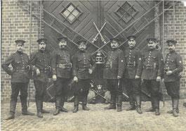 Göttinger Feuerwehr 1908. 10 Jahre später waren die Uniformen noch unverändert. Städtisches Museum Göttingen