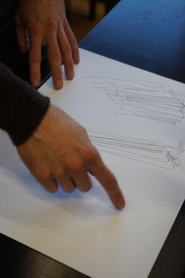 Sandro Halter zeigt seine Skizzen