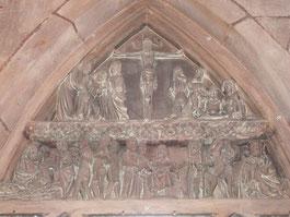 Passionsszene im Tympanon des nördlichen Chorportals.